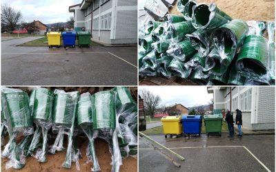 Нови парковски канти и контејнери за селекција на отпад