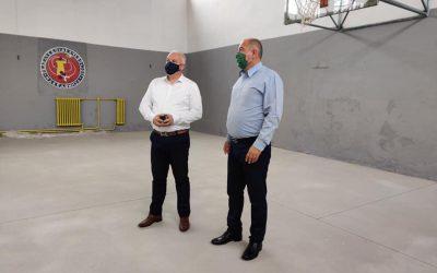 """Инвестиции во ООУ """"Ванчо Прке"""" во Делчево: реконструкција на старата спортска сала и партерно уредување"""