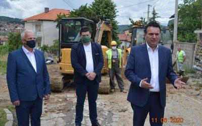 Министерот Сугарески и градоначалникот Трајковски извршија увид на дел од инфраструктурните проекти во Делчево
