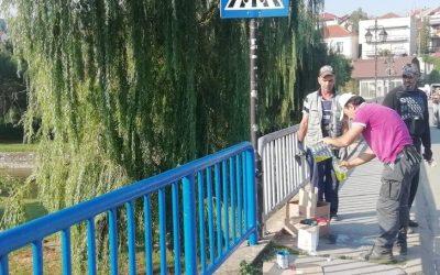 Општина Делчево и волонтери заедно во разубавување на градот