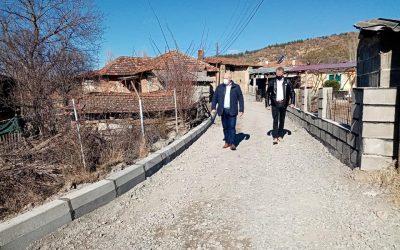 Се градат улици во село Град